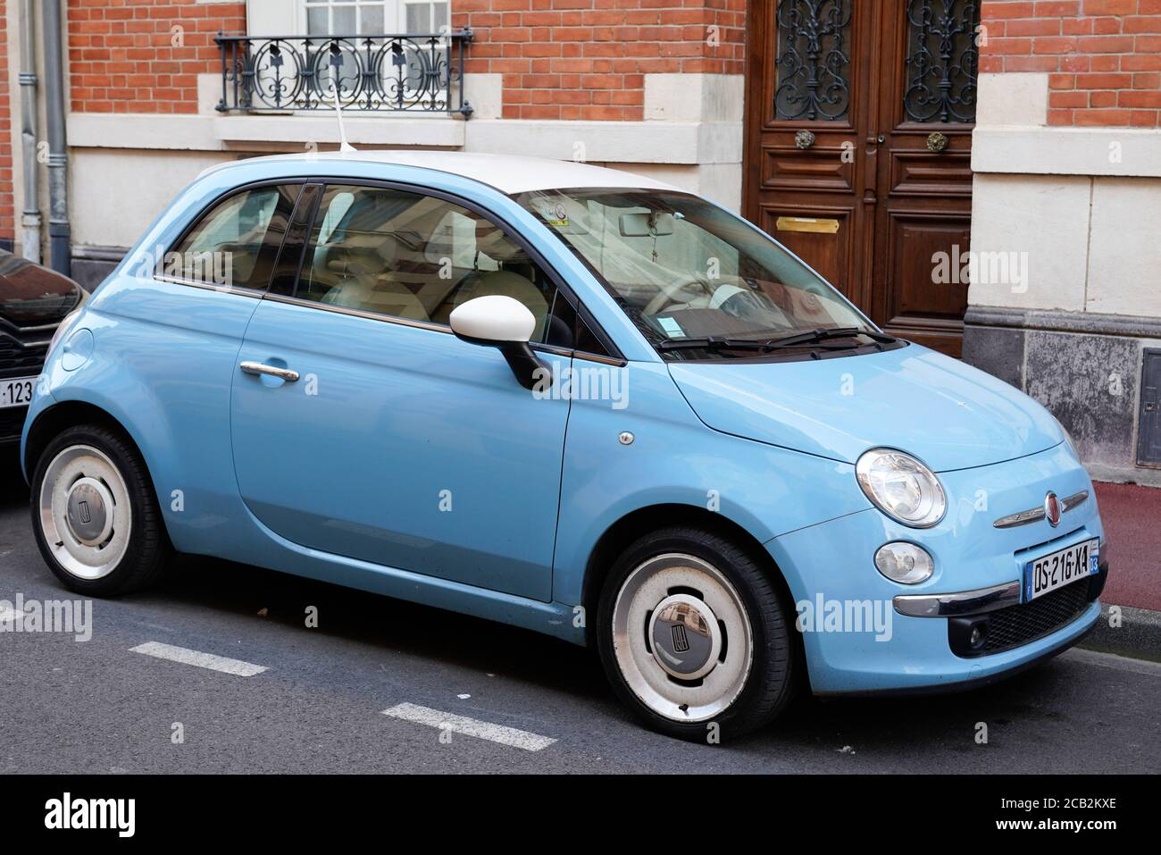 Page 2 Green Fiat 500 High Resolution Stock Photography And Images Alamy