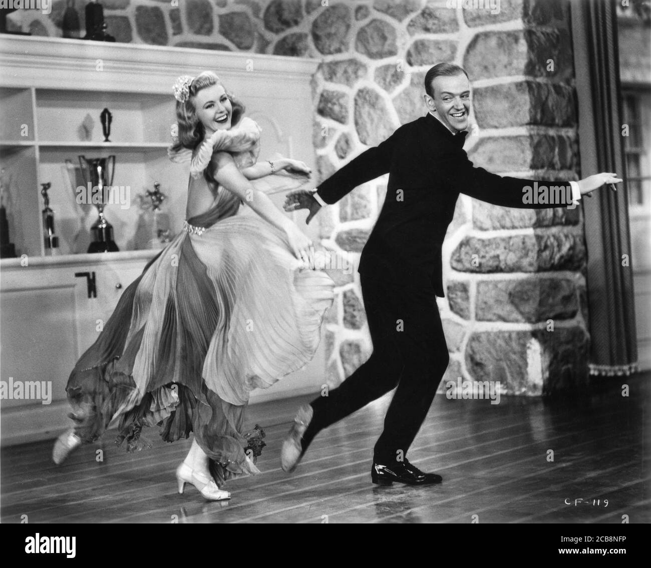 Fred Astaire And Ginger Rogers Dancing High Resolution Stock Photography And Images Alamy