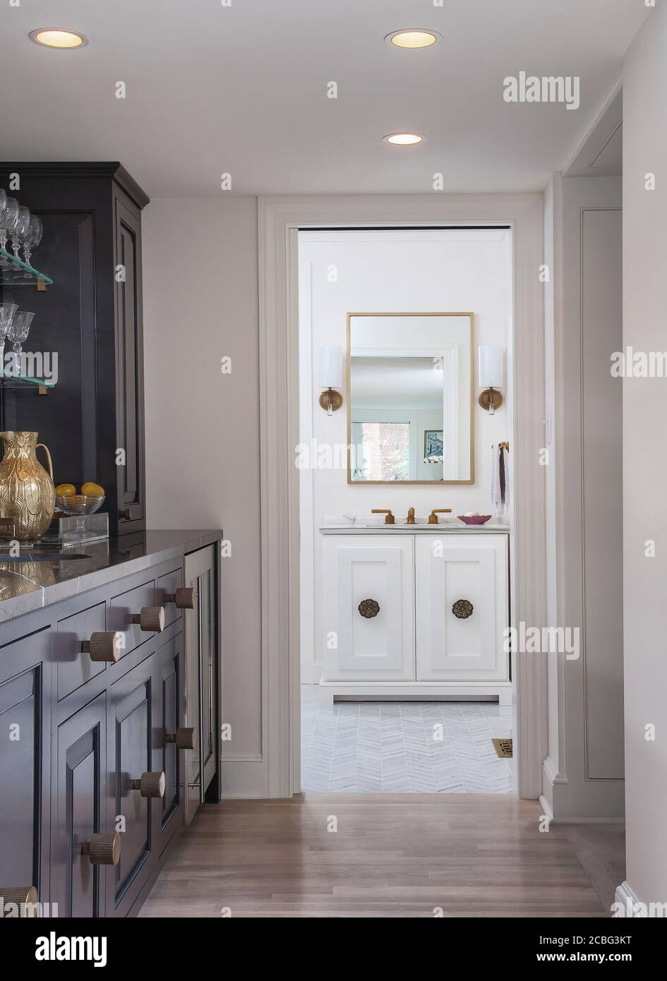 Gray And White Kitchen With Marble Backsplash Stock Photo Alamy