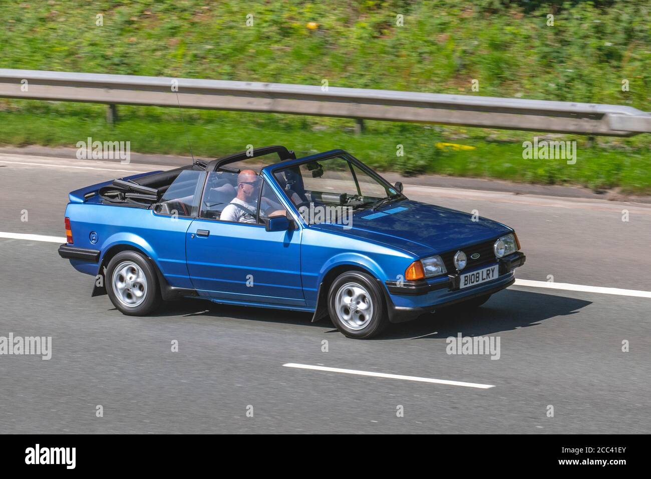 Blue Ford Escort High Resolution Stock Photography And Images Alamy