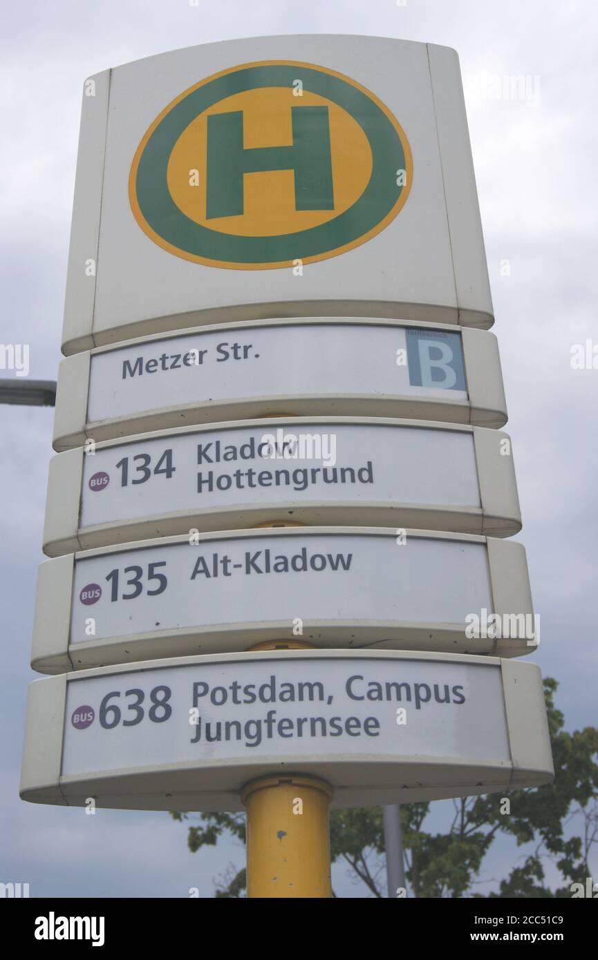 BVG-Haltestelle Metzer Straße in Berlin-Spandau Stock Photo