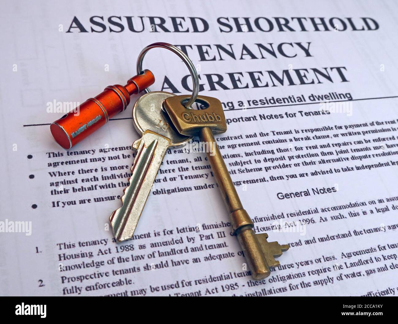 Tenancy Agreement with door keys, Social Housing nd Council tenancy agreement Stock Photo