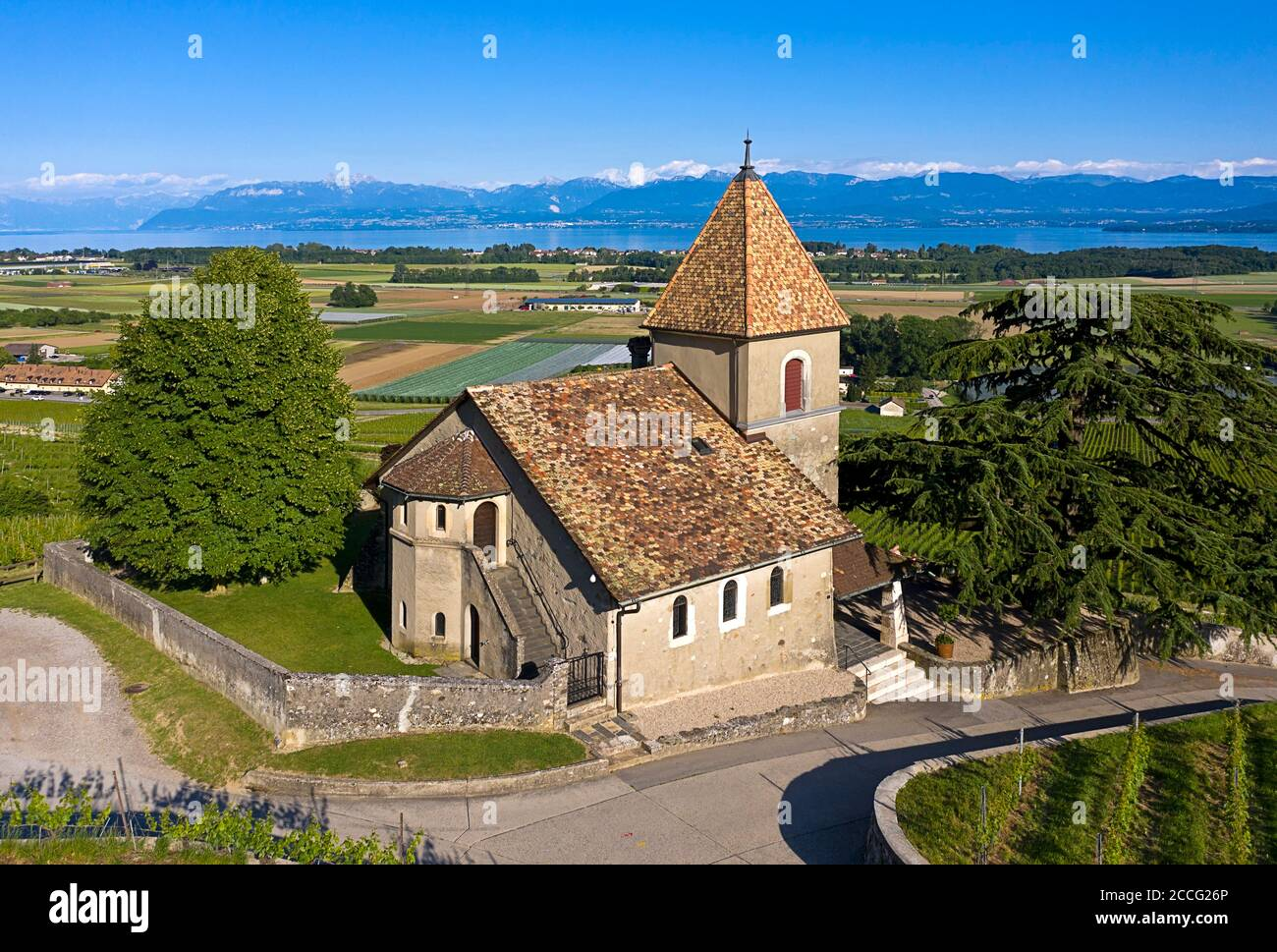 The church of La Sentinelle, the guardian, in the wine-growing region of La Côte on Lake Geneva, Luins, Vaud, Switzerland Stock Photo