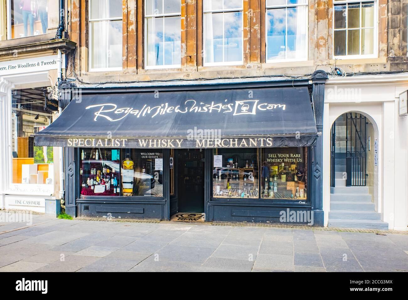 Edinburgh Scotland 6th aug 2020 whisky shop facade on Cannongate, Royal Mile Stock Photo