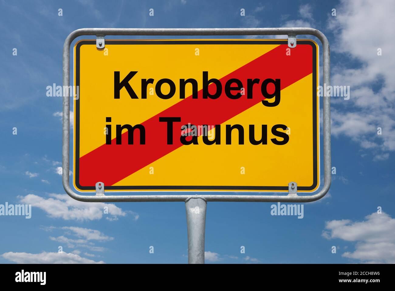Ortstafel Kronberg im Taunus, Hessen, Deutschland | Place name sign Kronberg im Taunus, Hesse, Germany, Europe Stock Photo