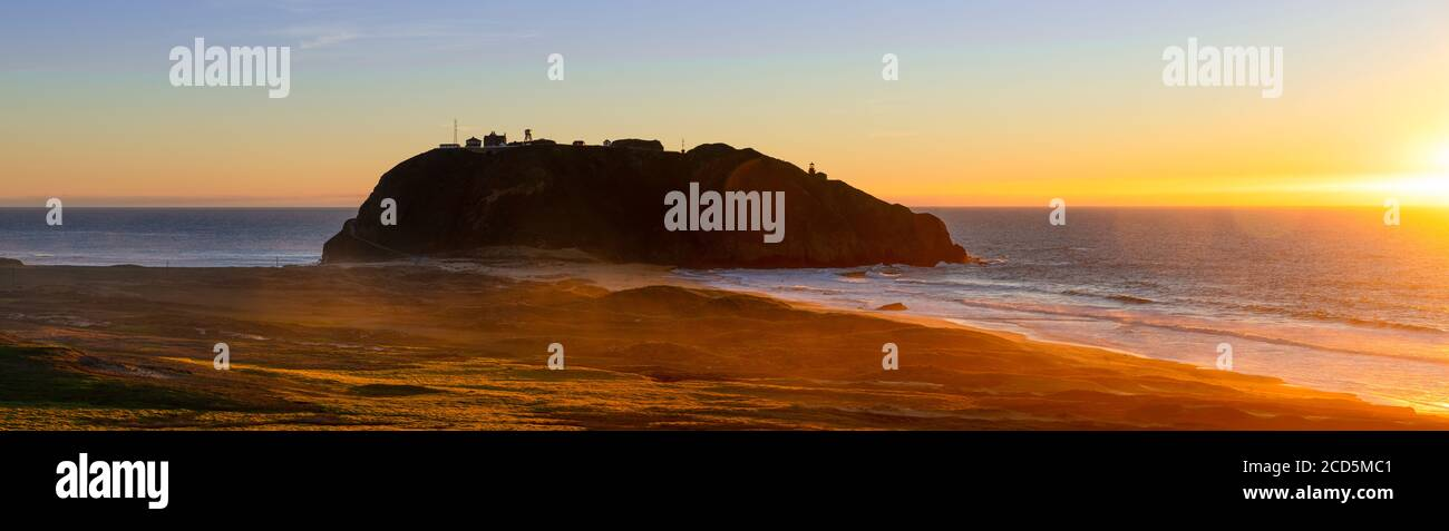 View of sunset over sea, California, USA Stock Photo