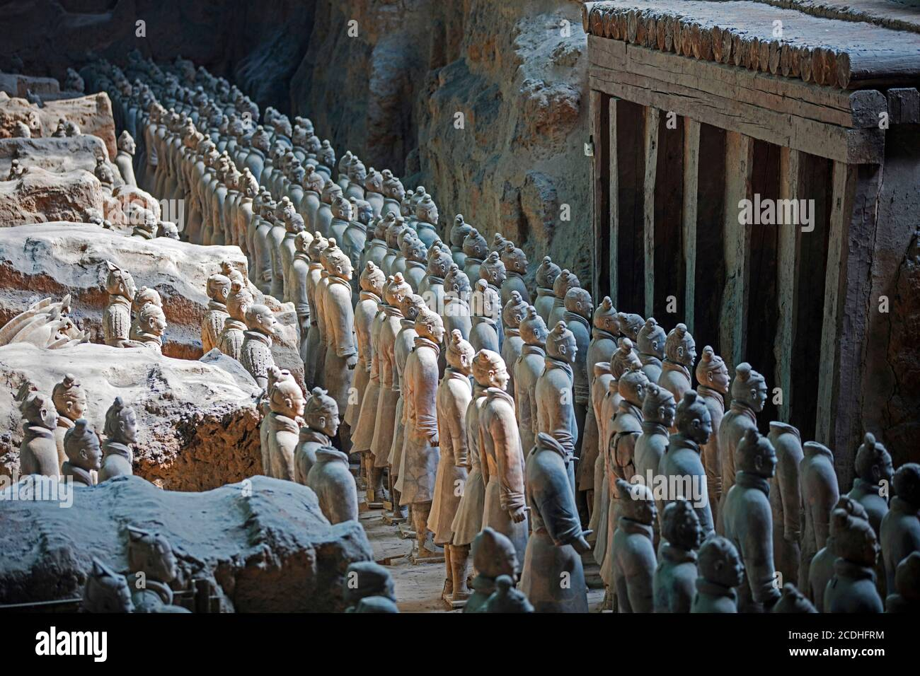 Terracotta Army, sculptures of soldiers depicting the armies of Qin Shi Huang, first Emperor of China near Xi'an / Sian, Lintong District, Shaanxi Stock Photo