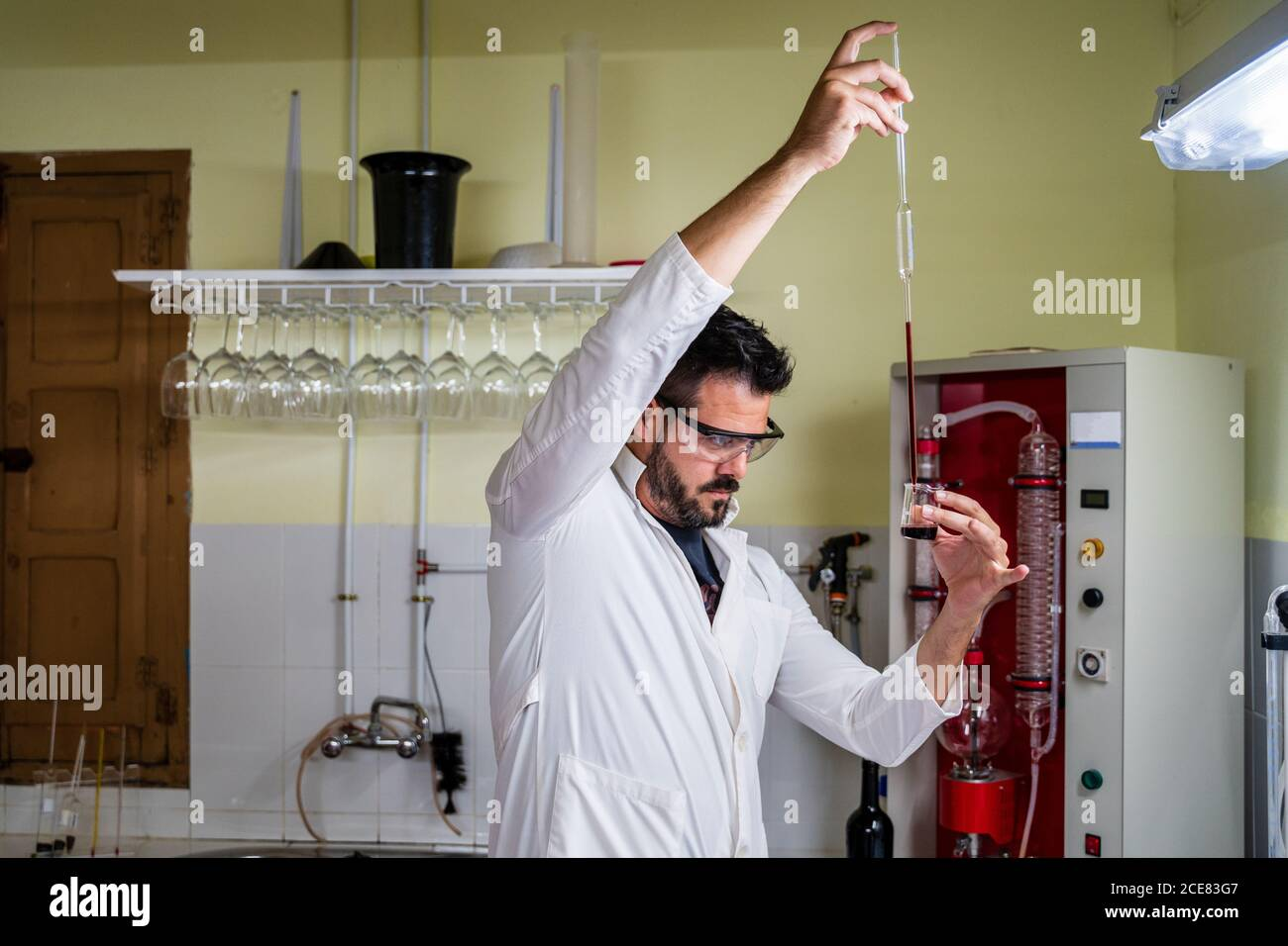 Long White Robe High Resolution Stock Photography And Images Alamy