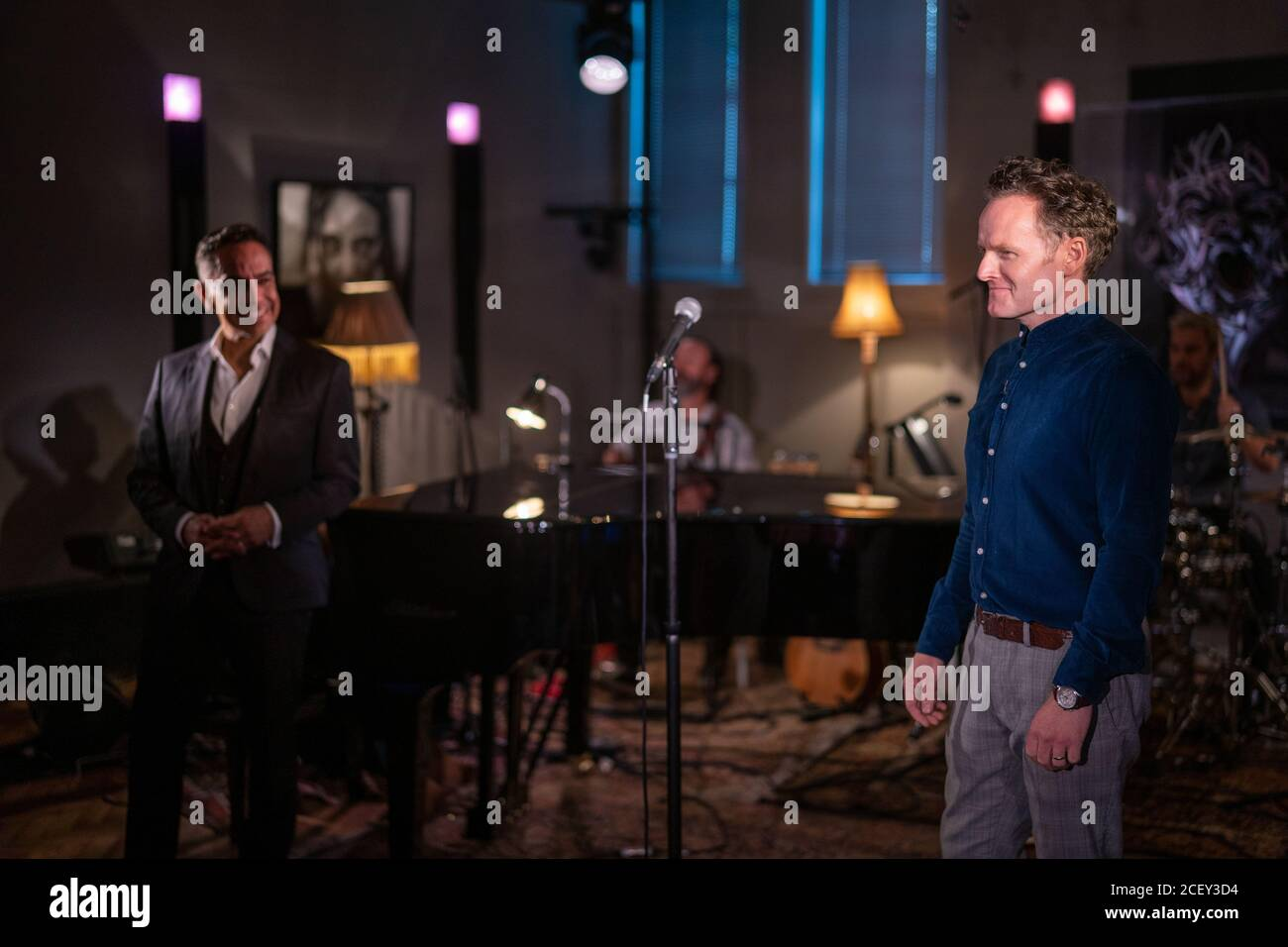 Joe Stilgoe performing live at L-Acoustics Creation in London as part of West End Unplugged, an initiative to raise money for various charities suppor Stock Photo