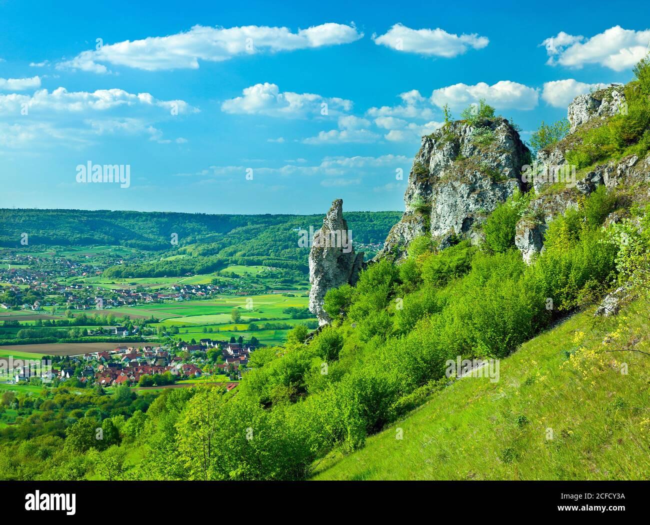 Germany, Bavaria, Kirchehrenbach, landscape, view from Ehrenbürg over the Wiesenttal towards Reifenberg, Franconian Switzerland-Veldensteiner Forest Stock Photo