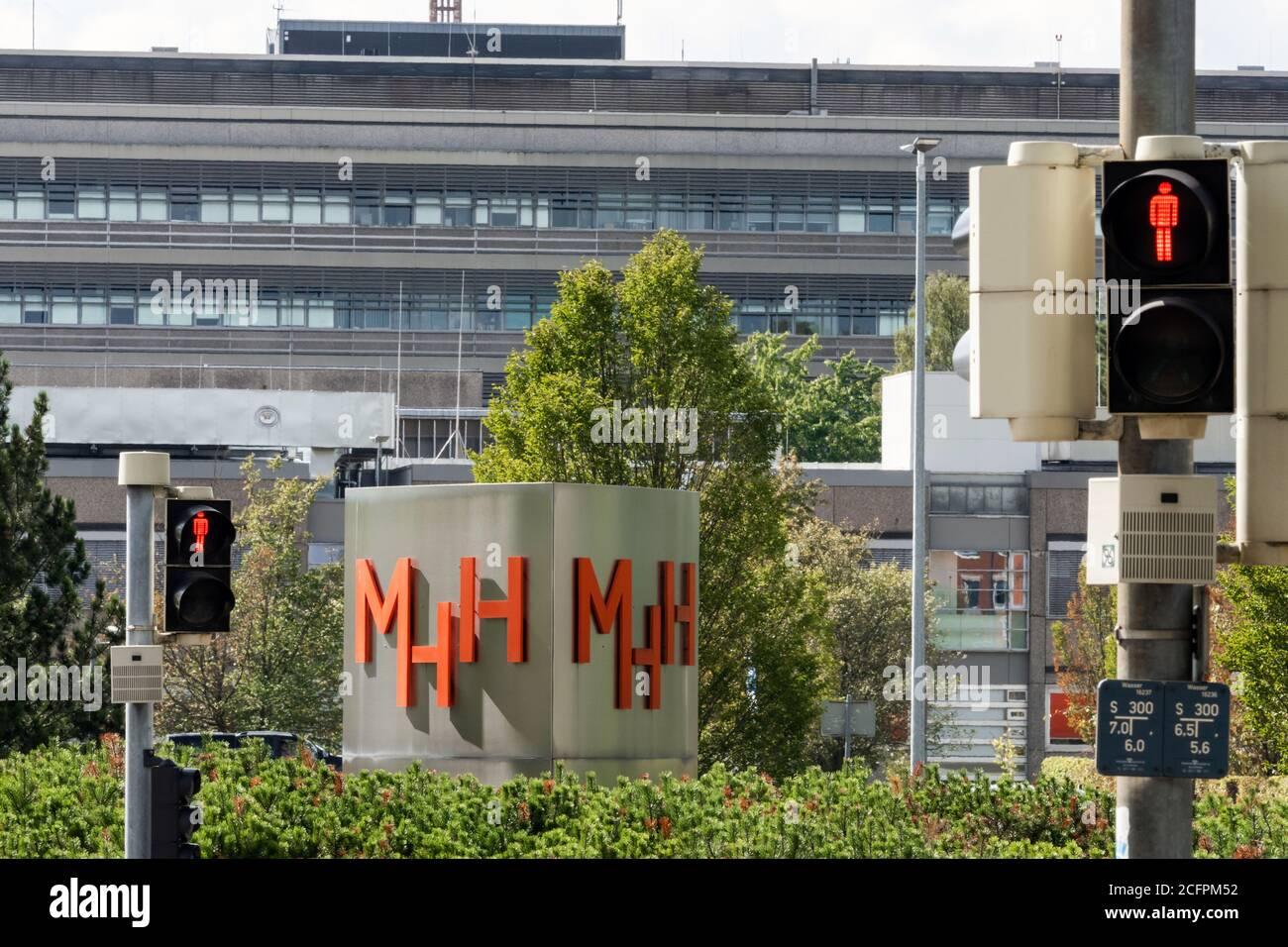 Hanover, Germany, 09/06/2020: MHH Hannover Medical School, sign with the logo of the MHH.   ---   Hannover, 06.09.2020: MHH Medizinische Hochschule Hannover, Schild mit dem Logo der MHH. Stock Photo