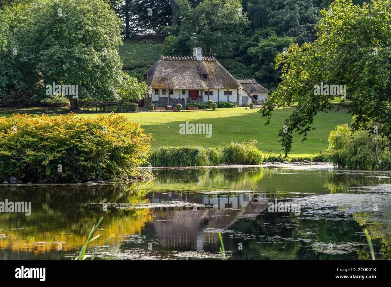 Landschaftsgarten High Resolution Stock Photography And Images Alamy