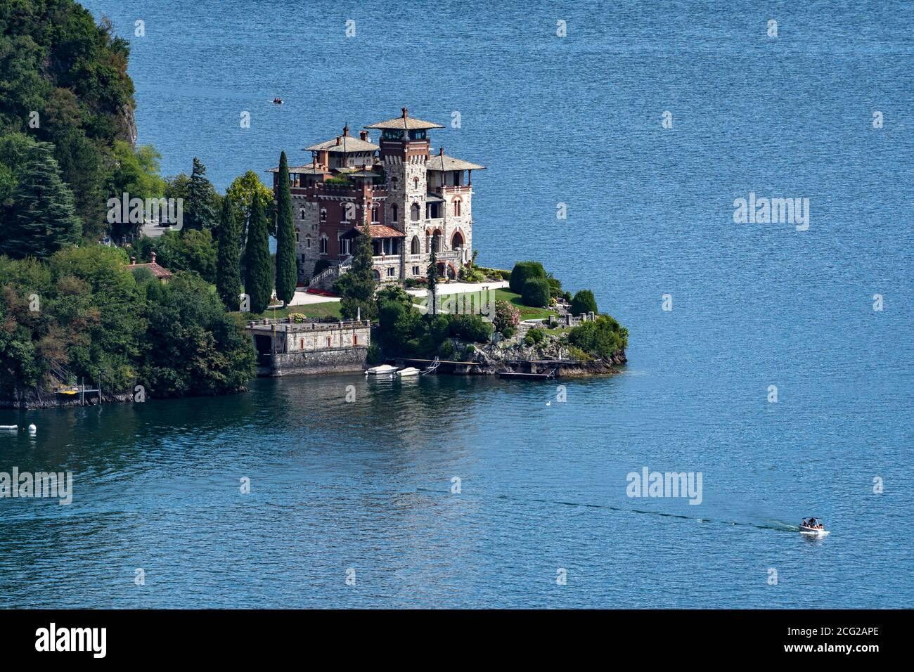 Italy. Lombardy. Lake Como. Around the village of Menaggio. Villa on the lake Stock Photo