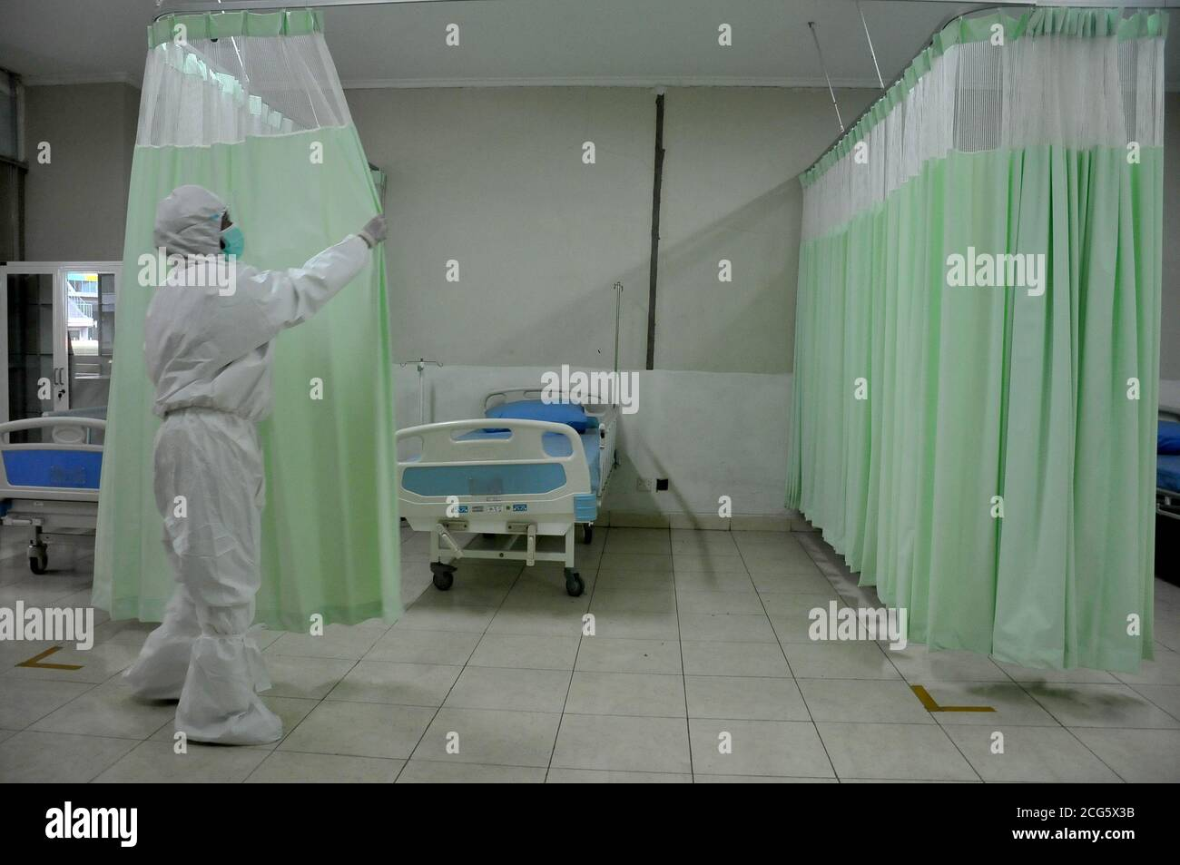 Bekasi Indonesia 9th Sep 2020 A Health Care Worker Is Seen At A Quarantine Facility In