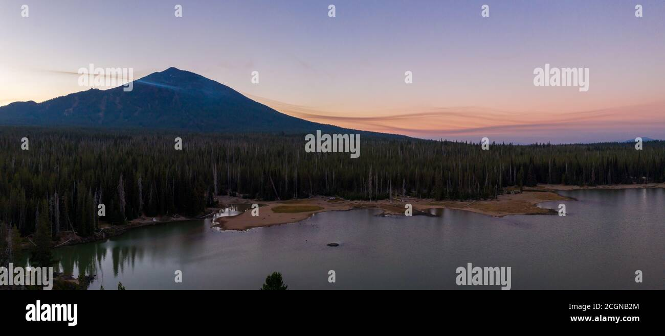 Smoke from distant wildfires 2020 surround Mt. Bachelor in Oregon Stock Photo