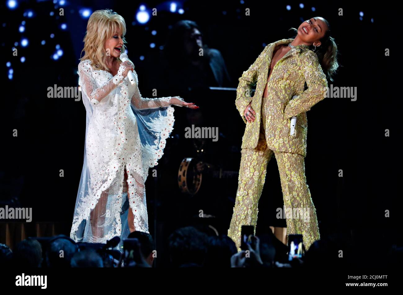 Miley Cyrus Perform High Resolution Stock Photography And Images Alamy