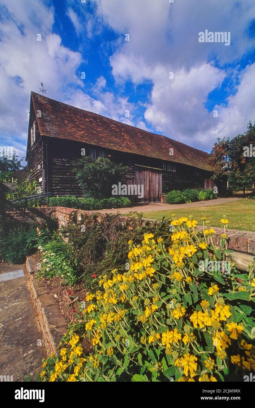 Mayflower Barn, Old Jordans, Buckinghamshire, England, UK. Circa 2006 Stock Photo