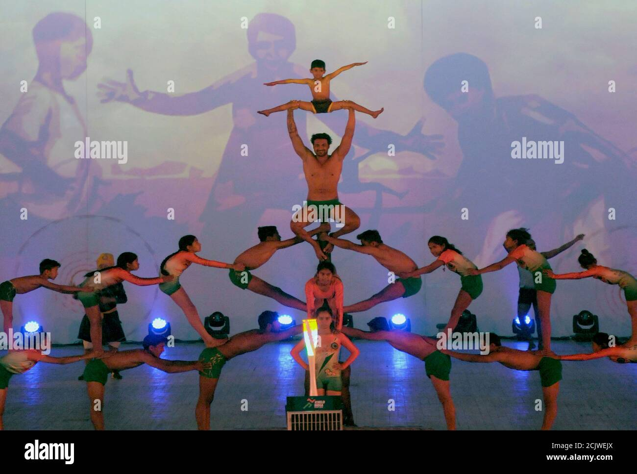 Acro Dance High Resolution Stock Photography And Images Alamy
