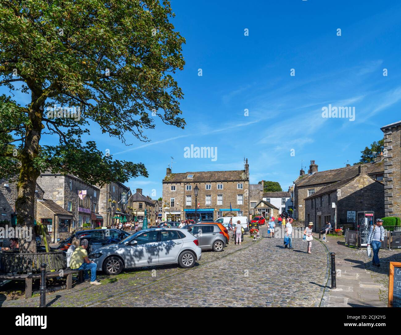 The Square in the traditional English village of Grassington, Yorkshire Dales National Park, North Yorkshire, England, UK. Stock Photo