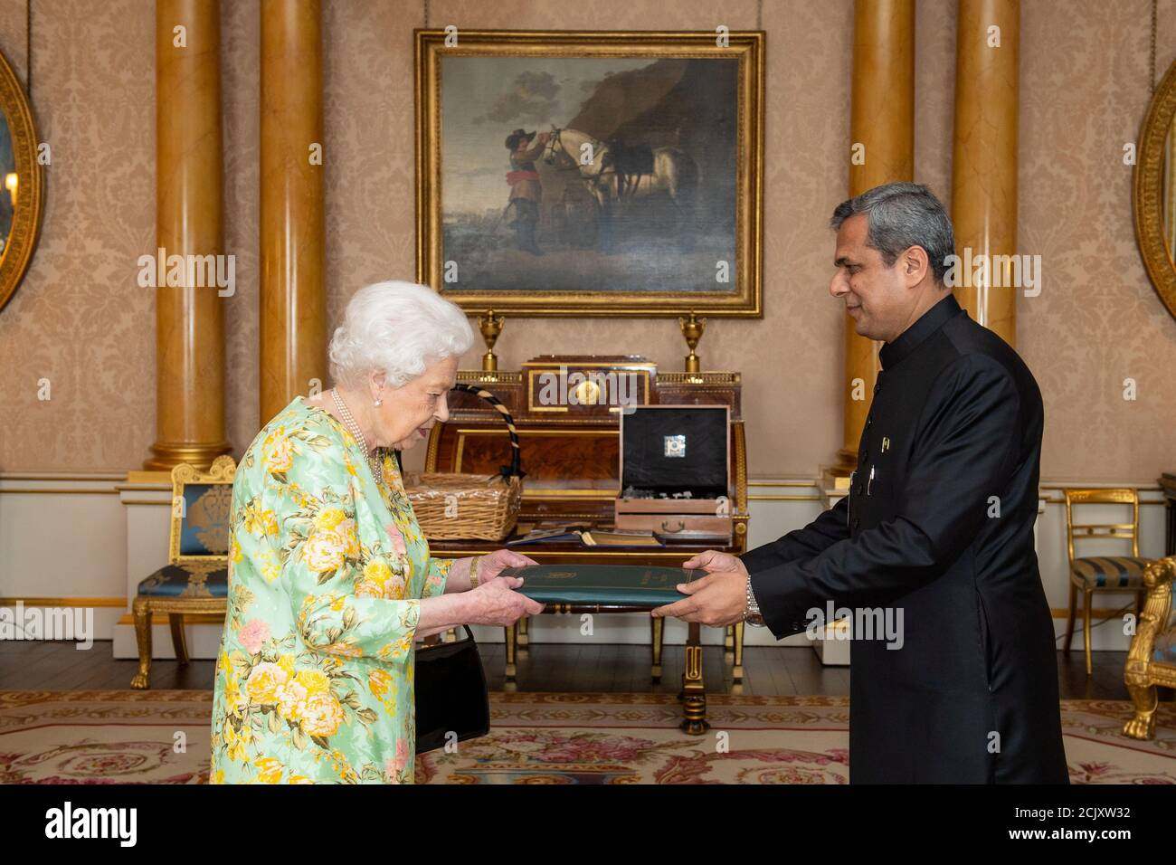 Britain's Queen Elizabeth II meets High Commissioner of Pakistan Mohammad Nafees Zakaria during a private audience at Buckingham Palace in central London, Britain June 25, 2019. Picture taken June 25, 2019. Dominic Lipinski/Pool via REUTERS Stock Photo