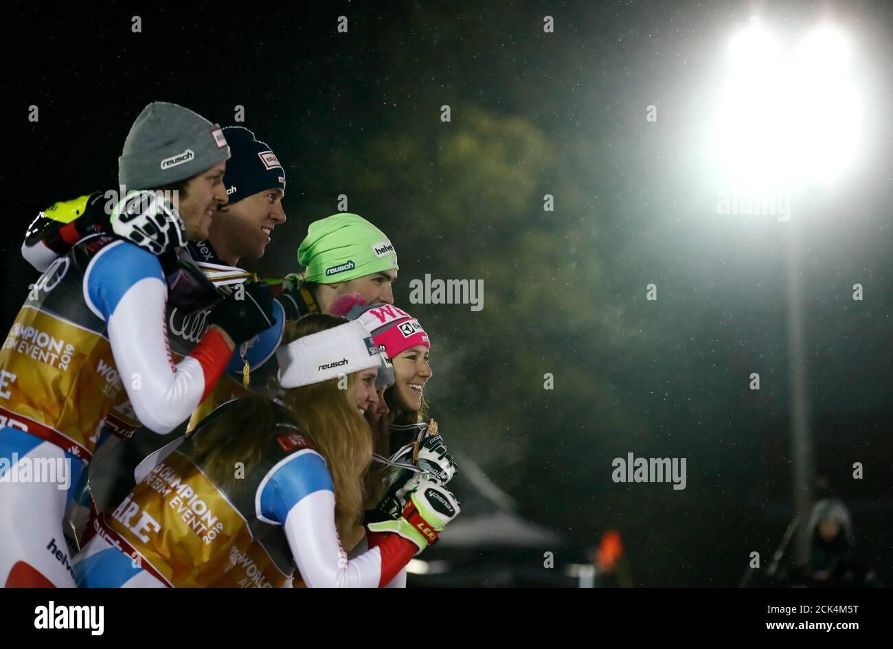 Alpine Skiing - FIS Alpine World Ski Championships - Mixed Alpine Team Event - Are, Sweden - February 12, 2019 - Gold medalists Switzerland's Aline Danioth, Andrea Ellenberger, Wendy Holdener, Sandro Simonet, Daniel Yule and Ramon Zenhaeusern pose with their medals. REUTERS/Christian Hartmann Stock Photo