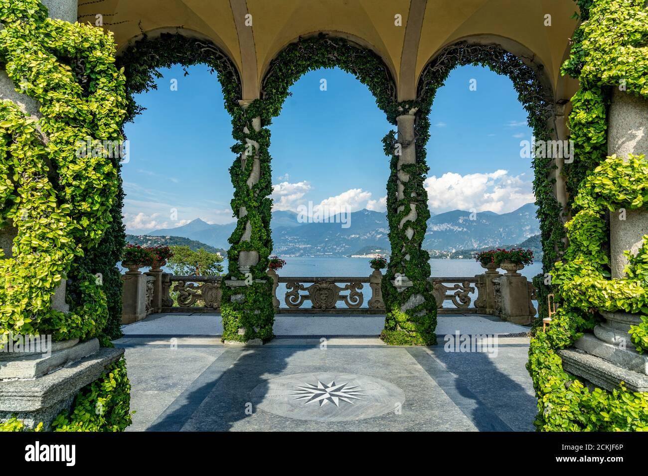 Italy. Lombardy. Lake Como. Around the village of Leno. The Balbianello villa on the Lavedo peninsula. The arcades of the loggia Stock Photo