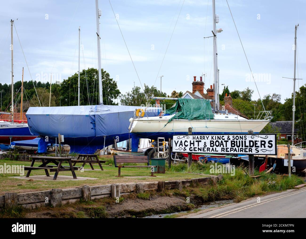Boatyard sign for Harry King & Sons Yacht and Boat Builders and Repairers, at Pin Mill on the River Orwell, Suffolk, East Anglia Stock Photo
