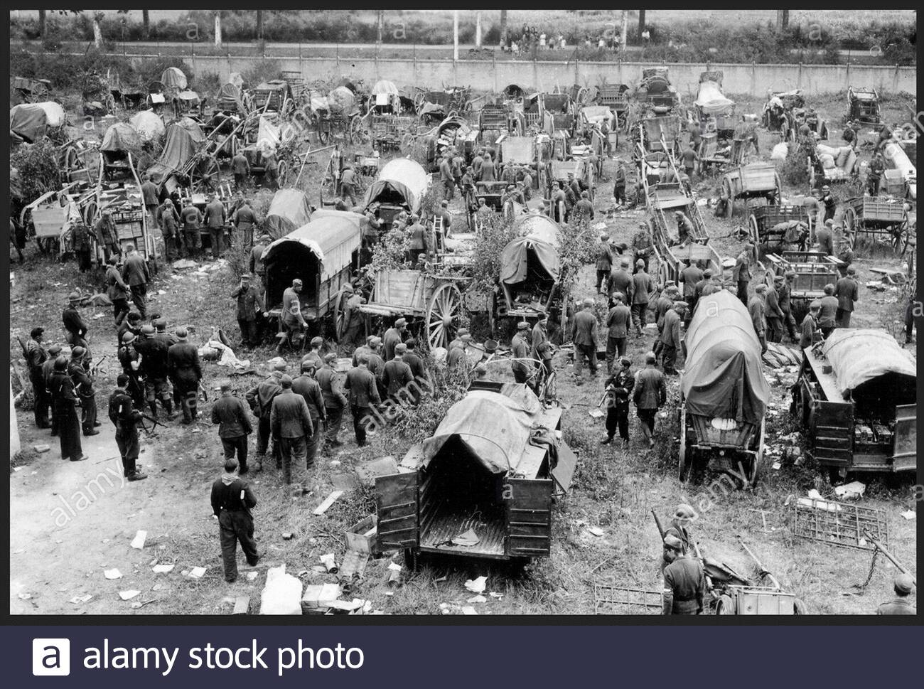 Best WW pictures - German POWs of the 229th Grenadier Regiment of the German Army captured by the US 7th Army in Nevers, France. 9 1944. Stock Photo