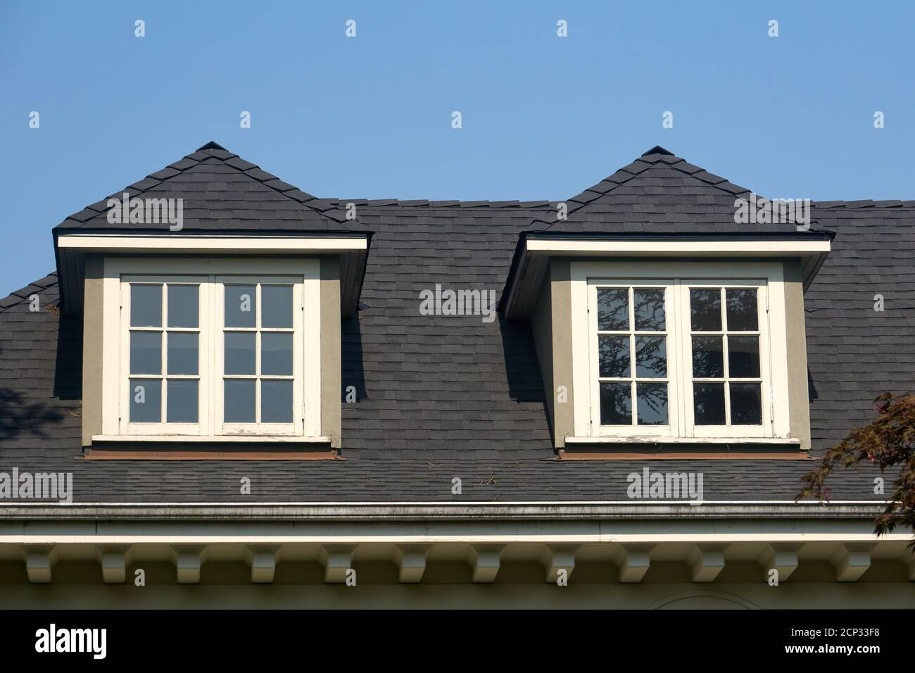 Hip Roof High Resolution Stock Photography And Images Alamy