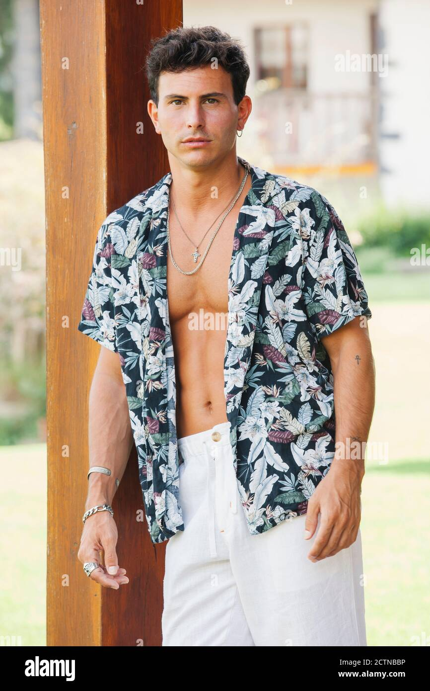 Page 2 Unbuttoned Shirt High Resolution Stock Photography And Images Alamy