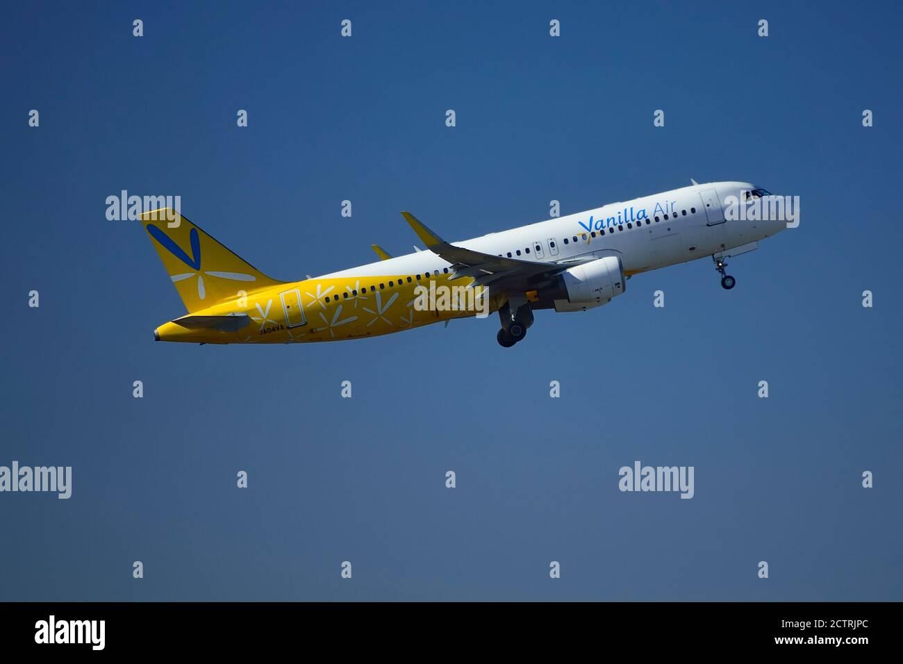 Vanilla Air, Airbus, A320, JA04VA, Take Off,, Narita Airport, Chiba, Japan Stock Photo