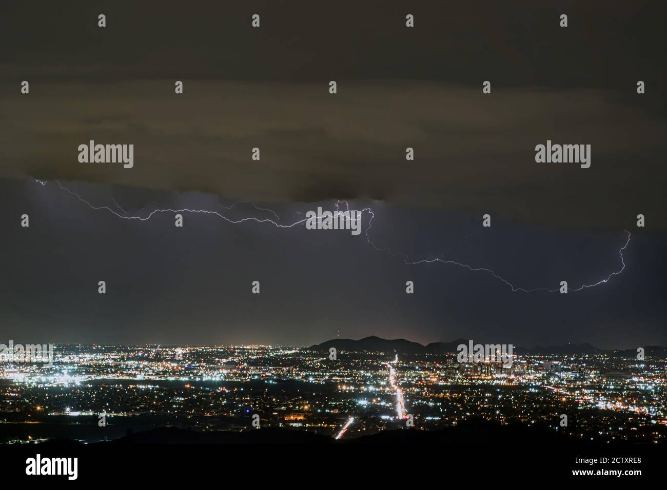Monsoon storm nears Phoenix, Arizona Stock Photo
