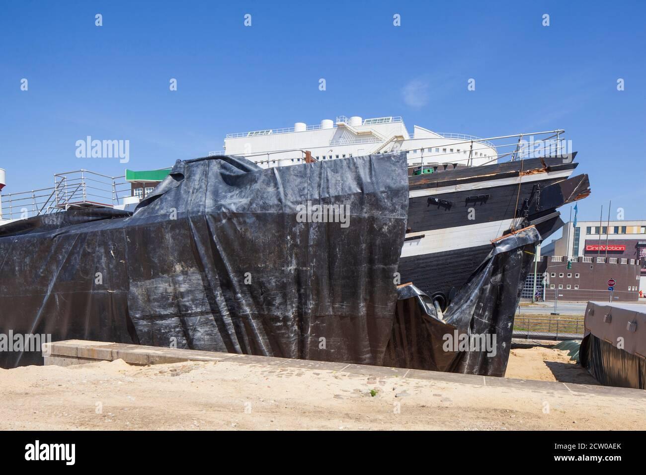 Wreck of the windjammer Seute Deern in the museum harbor, Bremerhaven, Bremen, Germany Stock Photo