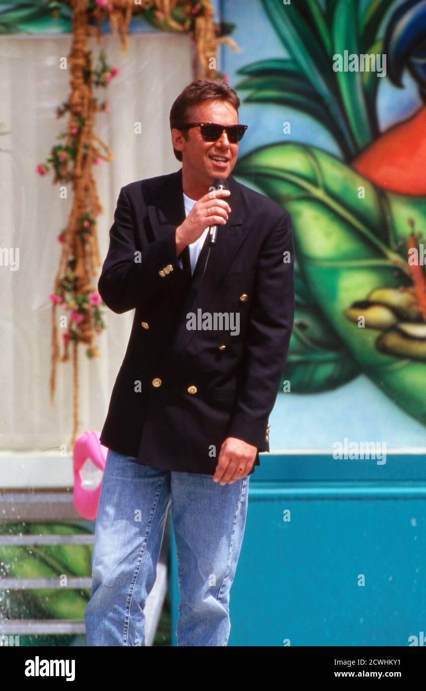 ZDF Fernsehgarten, Sonntags-Unterhaltungsshow, Sendung vom 3. Juli 1994, Gaststar: Sänger ? Stock Photo