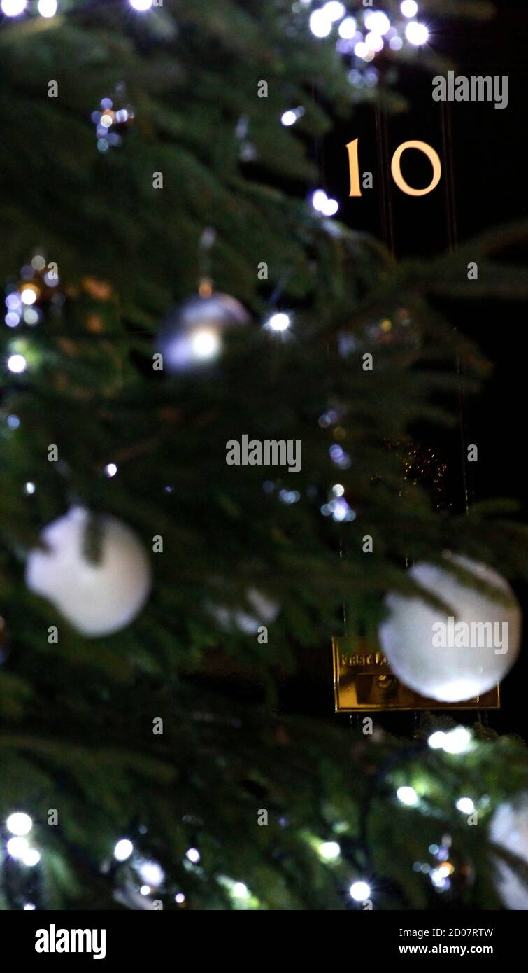 2021 Singing Christmas Tree, December 8 Number 10 Downing Street Christmas High Resolution Stock Photography And Images Alamy