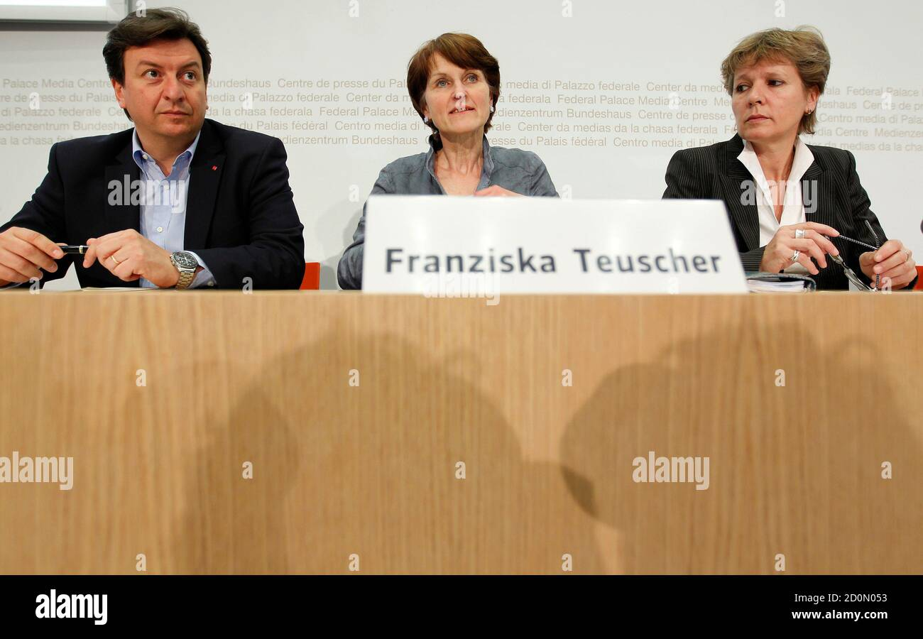 National Councillor Franziska Teuscher (C), Swiss Construction Workers Union UNIA member Corrado Pardini (L) and National Councillor Brigit Wyss speak to media during a news conference on the start of the nuclear phaseout initiative in Bern May 19, 2011. REUTERS/Ruben Sprich  (SWITZERLAND - Tags: POLITICS) Stock Photo