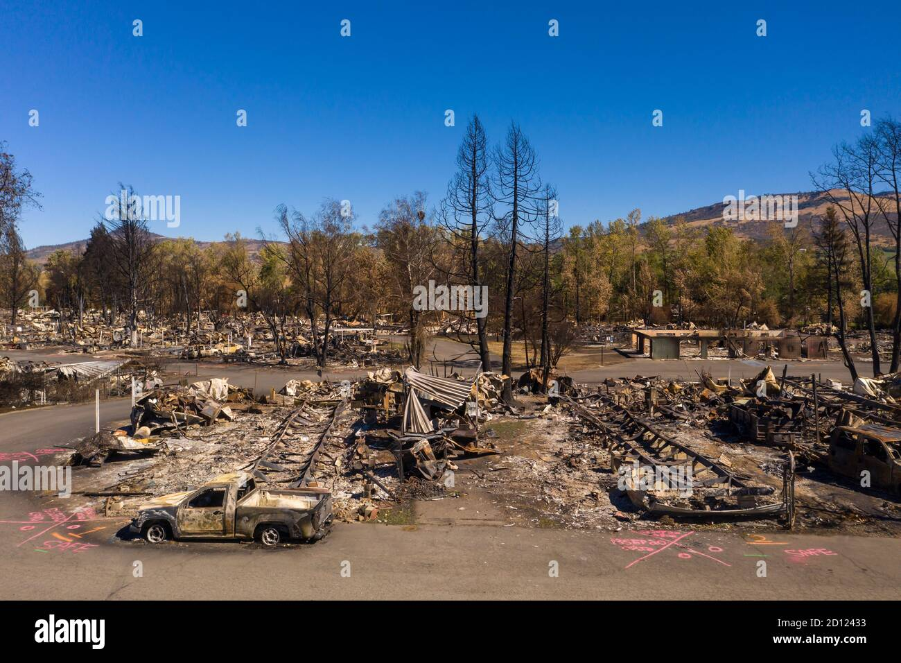 Burned homes and cars caused by Southern Oregon Almeda Fire Stock Photo