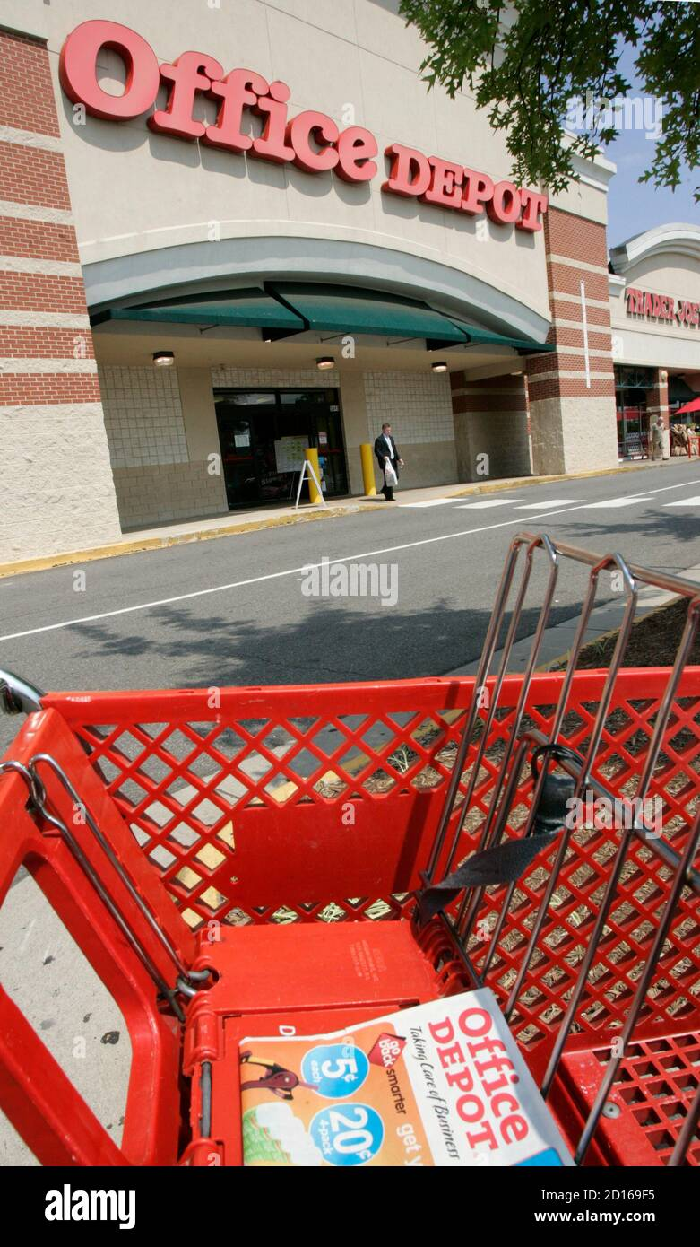 Office Depot Store High Resolution Stock Photography And Images Alamy