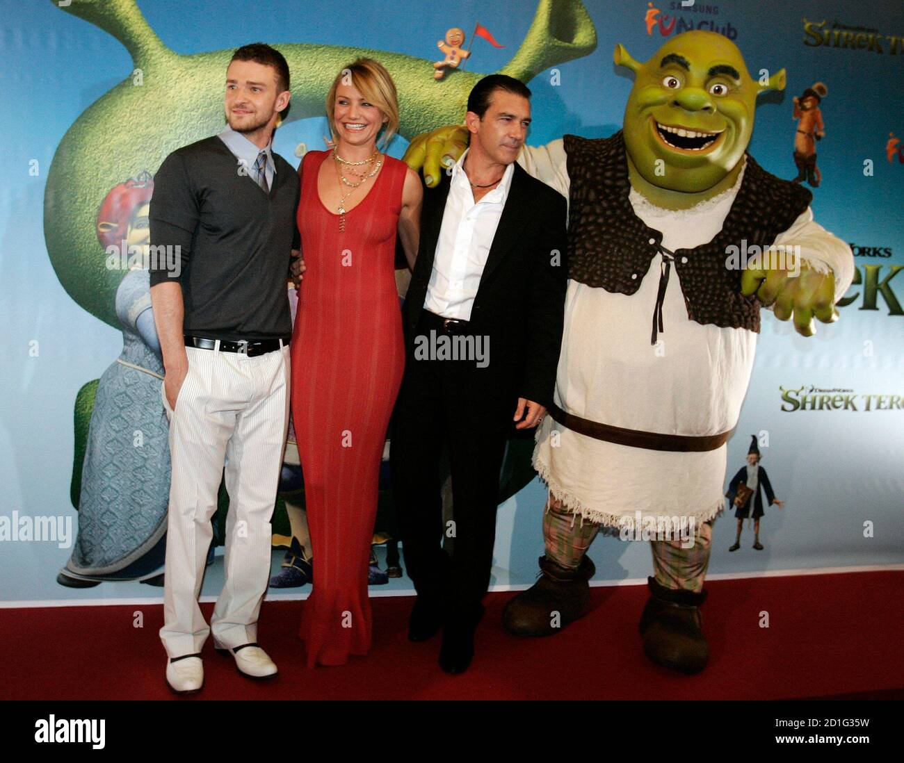 Shrek Character High Resolution Stock Photography And Images Alamy