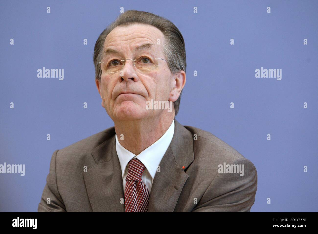 Franz Muentefering, designated chairman of Germany's Social Democratic party (SPD), addresses a news conference in Berlin, October 8, 2008.     REUTERS/Tobias Schwarz     (GERMANY) Stock Photo