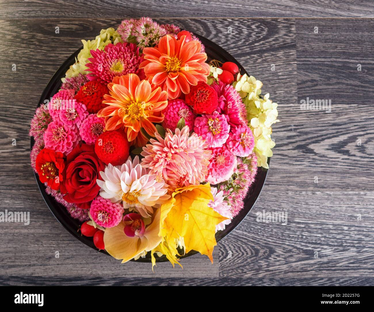 Autumn Flower Arrangement High Resolution Stock Photography And Images Alamy