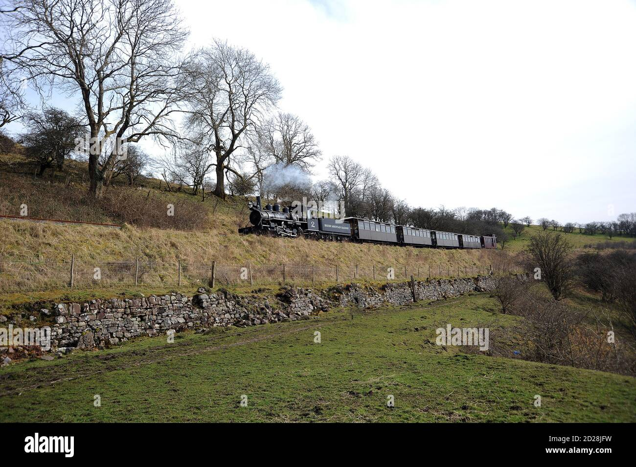 B.M.R. No. 2 passing Tyle Haidd Quarry with a train for Dolygaer. Stock Photo