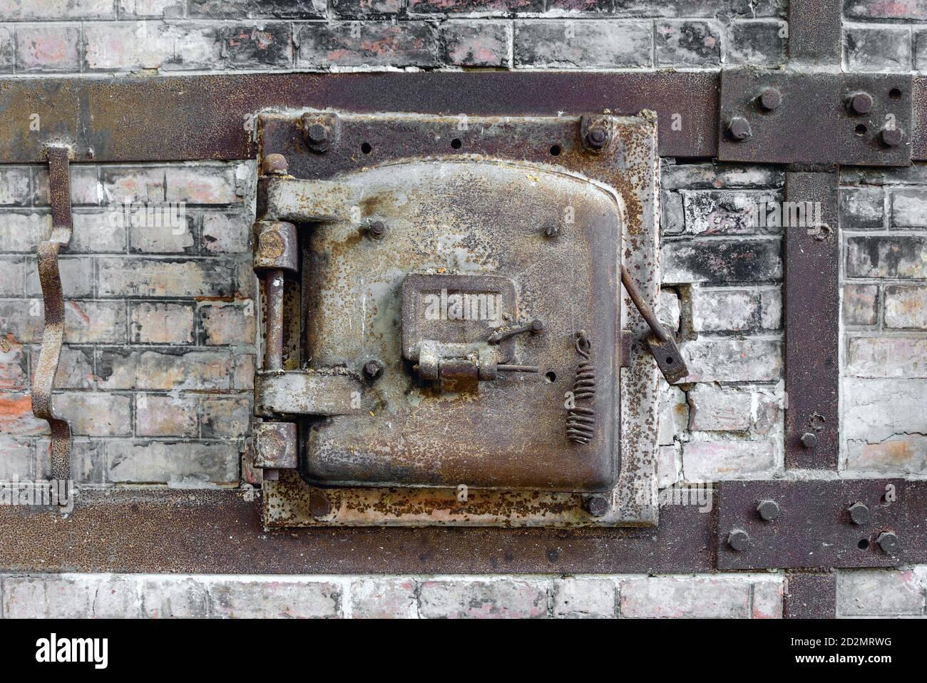 Metal Hatch Door High Resolution Stock Photography And Images Alamy Hd wallpaper metal door hatch round