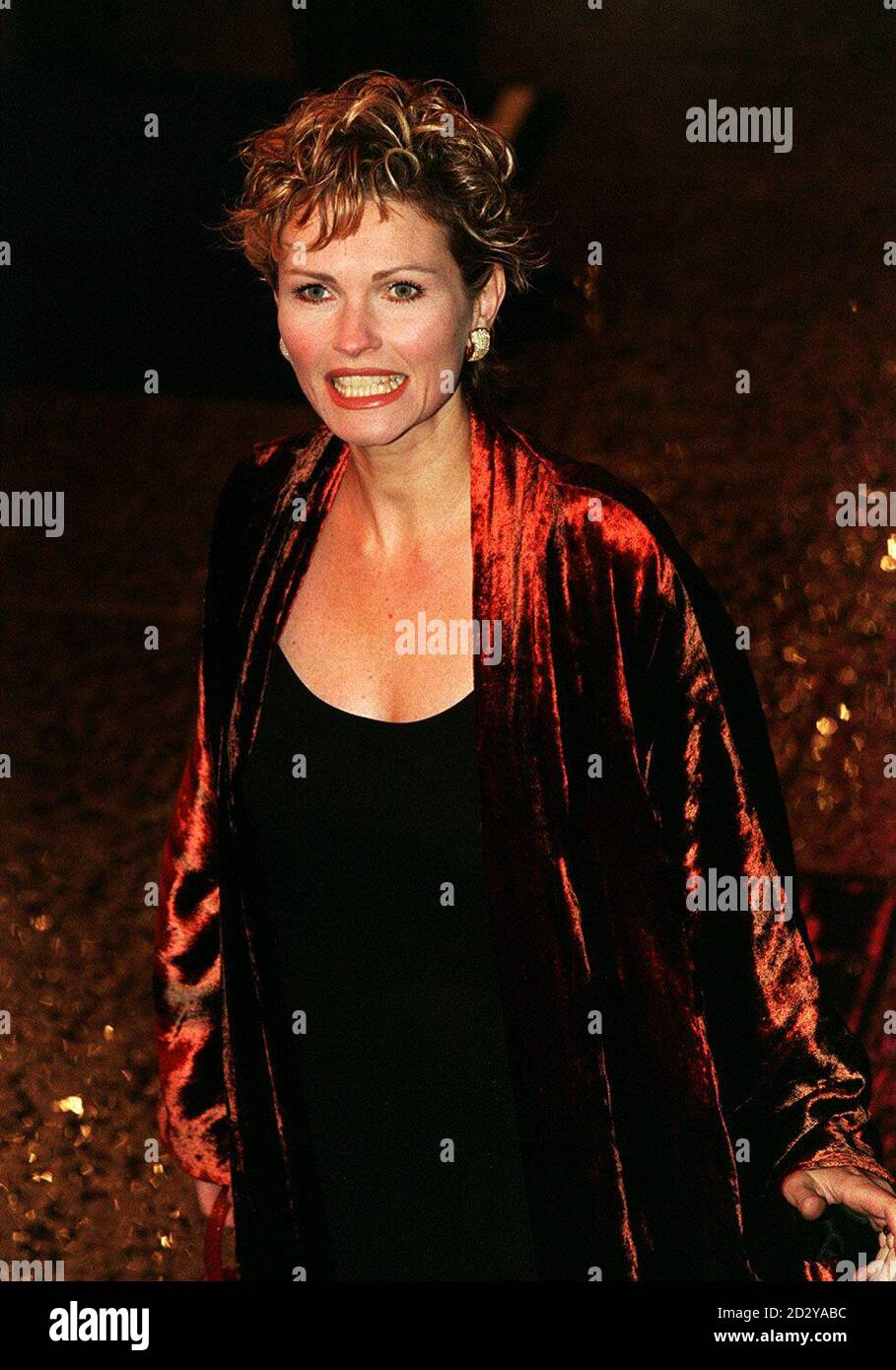 """PA NEWS PHOTO 9/12/97 FIONA FULLERTON ARRIVES AT THE WORLD GALA PREMIERE OF THE NEW JAMES BOND MOVIE """"TOMORROW NEVER DIES"""" AT THE ODEON CINEMA IN LEICESTER SQUARE, LONDON Stock Photo"""
