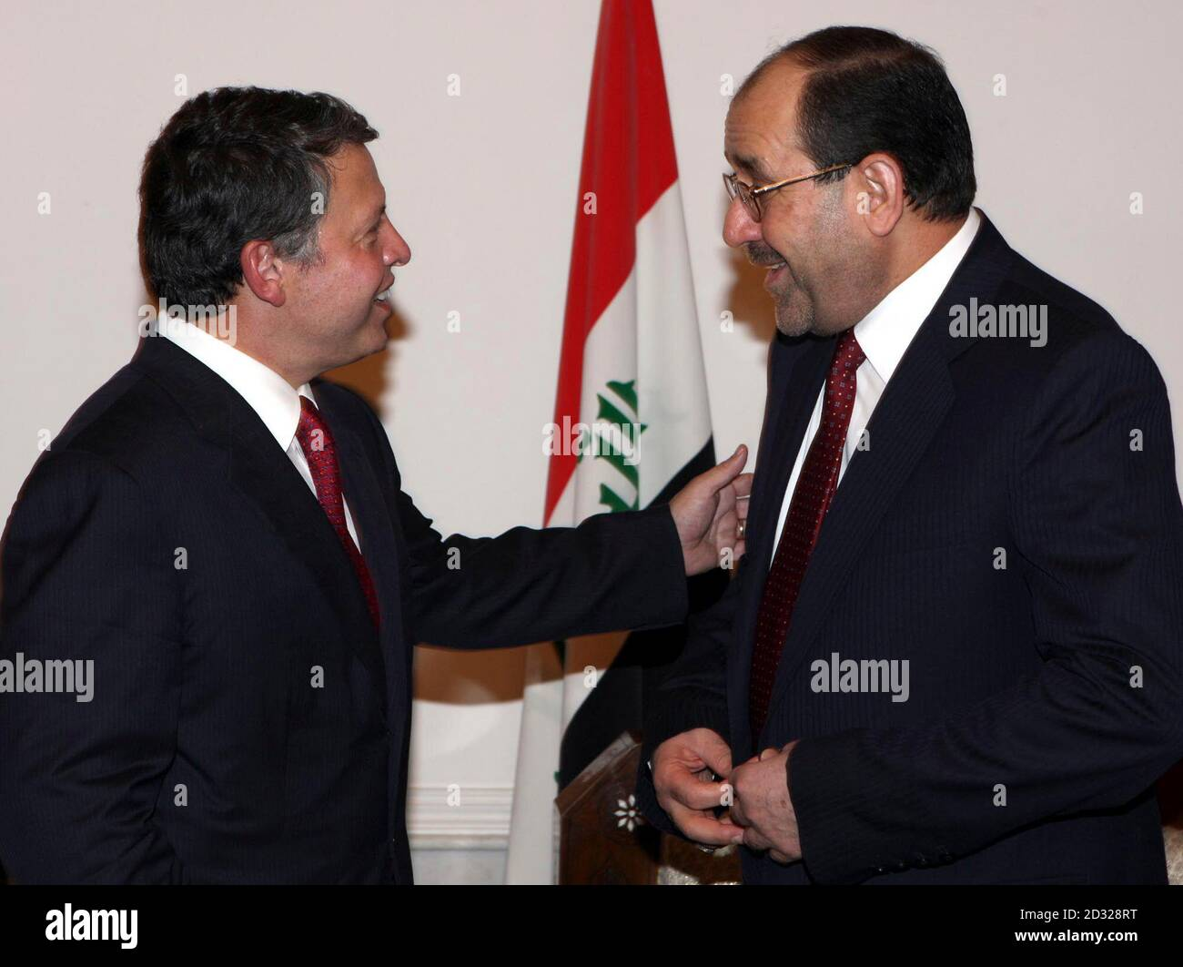 https www alamy com iraqi prime minister nuri al maliki r talks to jordans king abdullah during a meeting in baghdad august 11 2008 king abdullah became on monday the first arab leader to visit iraq since the fall of saddam hussein in 2003 flying to baghdad for a meeting with maliki reutersyousef allan iraq image380522908 html