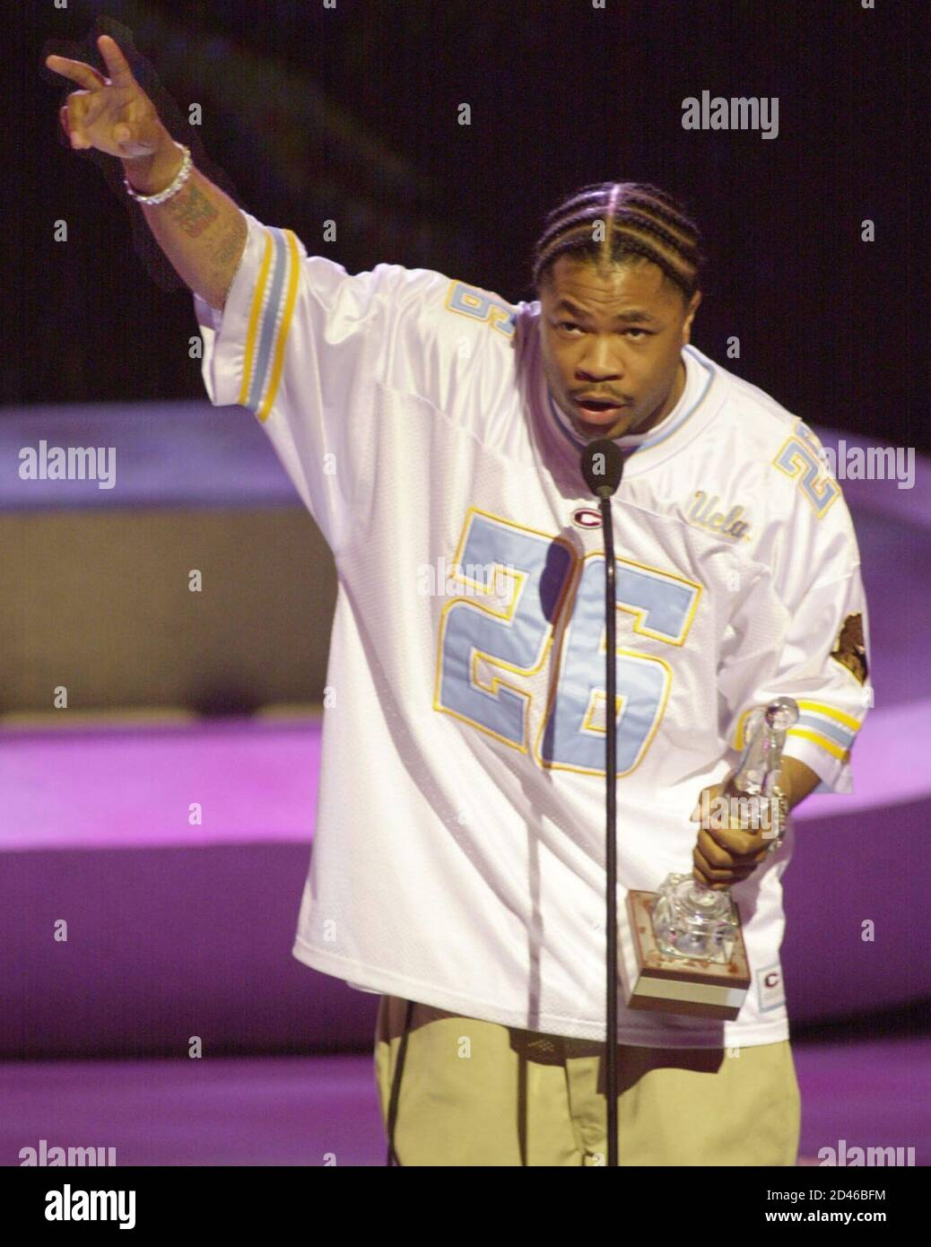 Xzibit Accepts Skateboarding S Music Artist Of The Year Award On Behalf Of Eminem During The Espn Action Sports Music Awards At The Universal Amphitheatre April 7 2001 In Los Angeles The