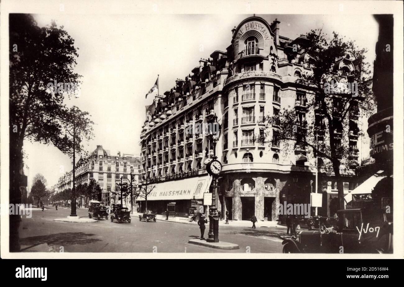 Paris, En Flanant, Nouveau boulevard Haussmann, Royal   usage worldwide Stock Photo