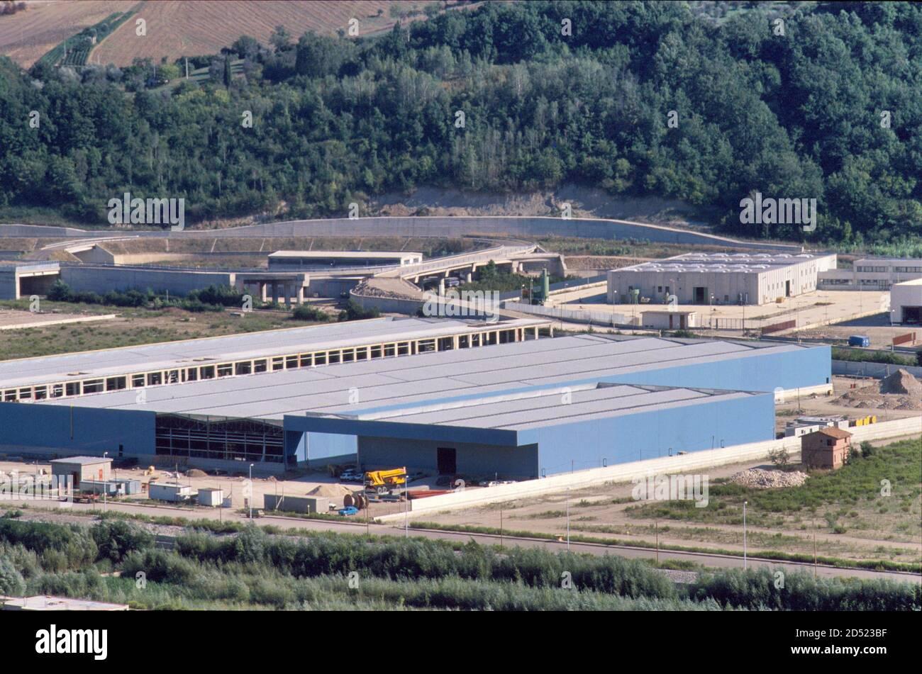 September 1990, Irpinia reconstruction after the earthquake of 1980,  Calitri industrial area - settembre 1990, ricostruzione in Irpinia dopo il  terremoto del 1980, area industriale di Calitri Stock Photo - Alamy