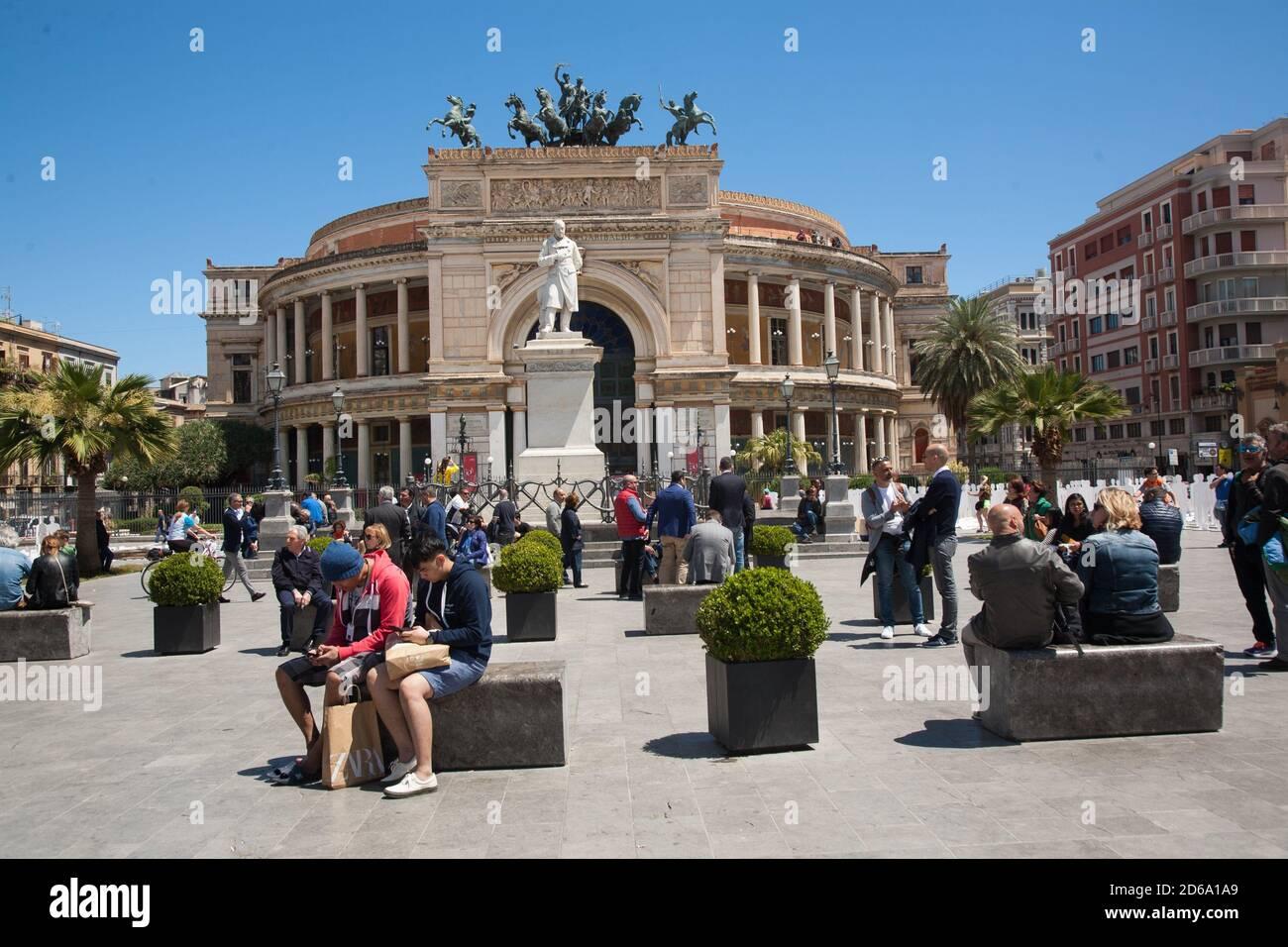 1MAY Teatro Politeama Garibaldi Palermo,Sicilien,Italien. Stock Photo