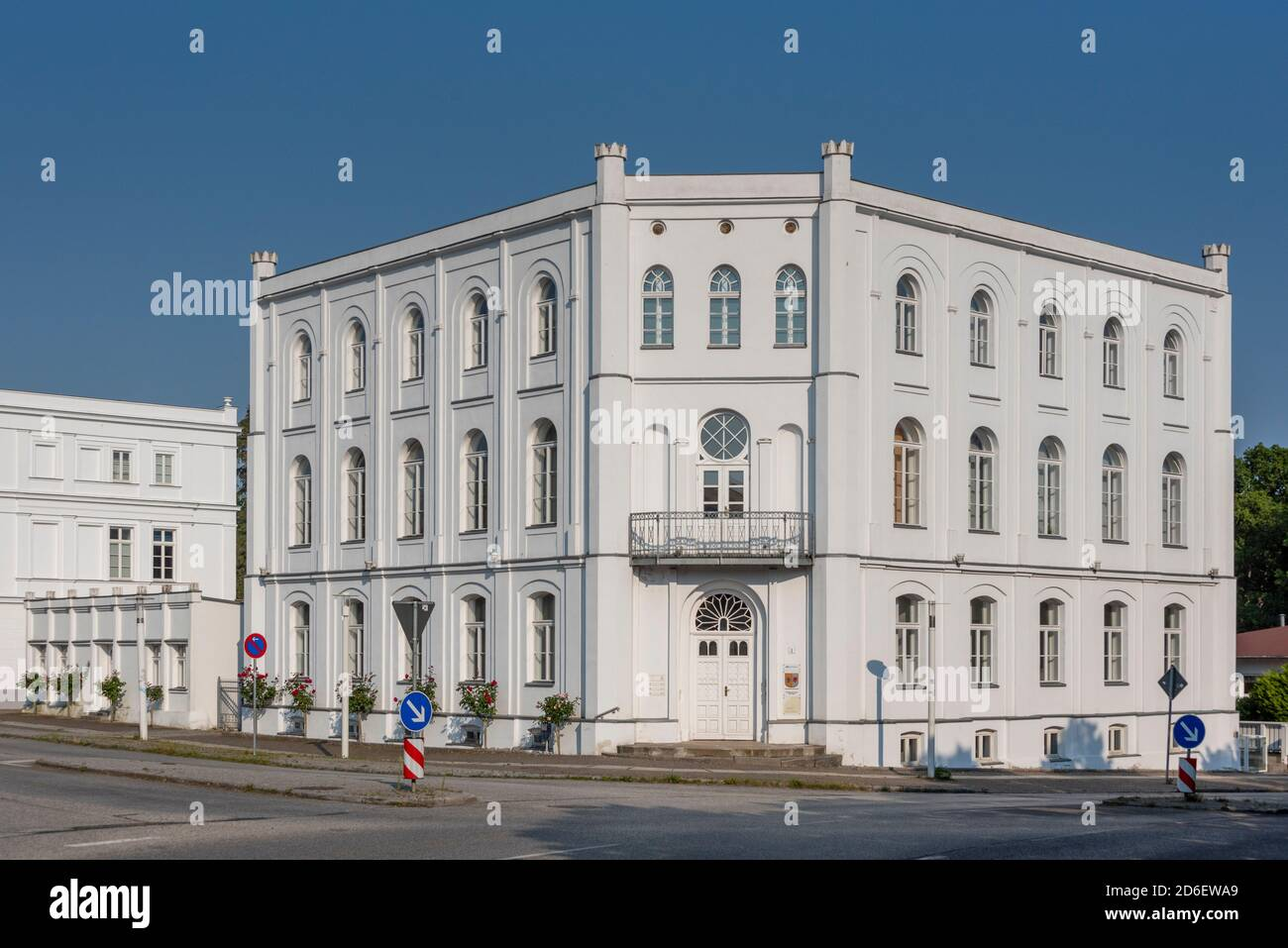 Germany, Mecklenburg-Western Pomerania, Putbus, administration building of the biosphere reserve Southeast Ruegen, stands at the Circus of the city Putbus, historical roundabout Stock Photo